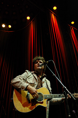2004-09-22 - Ron Sexsmith performs at Nalen, Stockholm