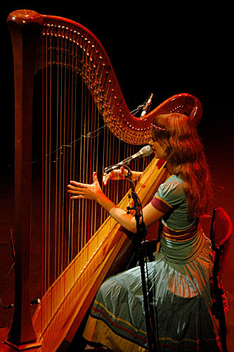 2004-09-28 - Joanna Newsom performs at Södra Teatern, Stockholm