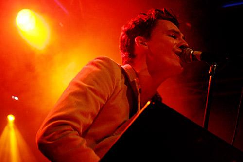 2005-01-12 - Håkan Hellström spelar på Sticky Fingers, Göteborg
