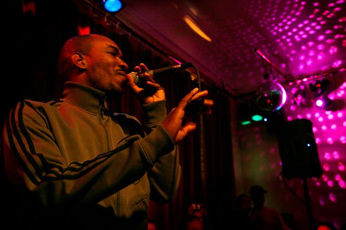 2006-11-13 - Anthony David performs at Södra bar, Stockholm