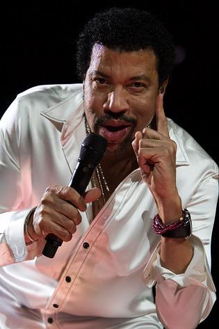 2007-04-07 - Lionel Richie performs at Globen, Stockholm