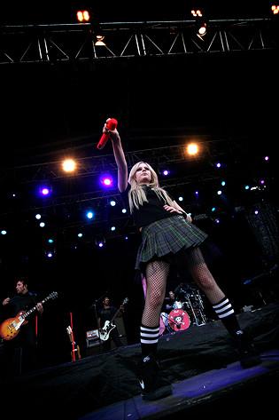 2007-07-01 - Avril Lavigne performs at Pier Pressure, Göteborg