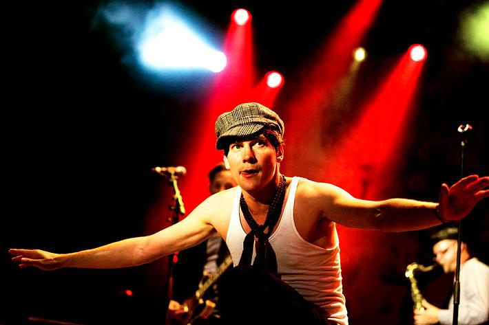 2008-08-01 - Håkan Hellström performs at Putte i Parken, Karlskoga