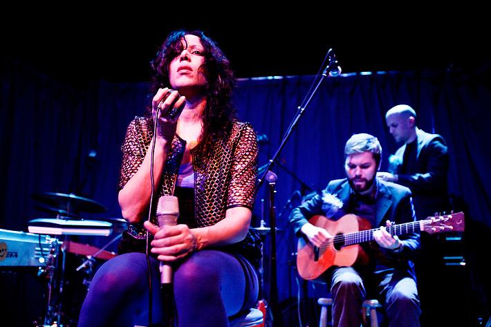2009-03-28 - Titiyo spelar på Foajén, Göteborg