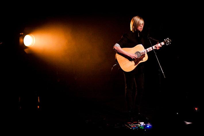2009-11-04 - Anna Ternheim spelar på Sagateatern, Linköping