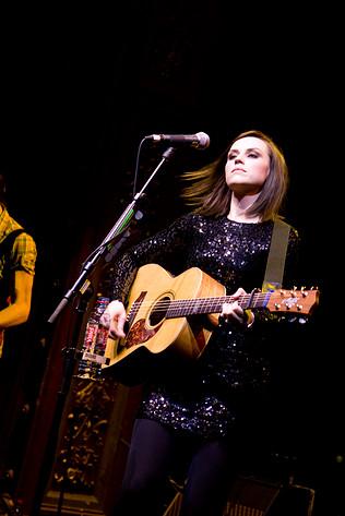 2010-01-25 - Amy Macdonald performs at Berns, Stockholm