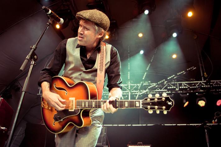2011-08-19 - Andi Almqvist performs at Malmöfestivalen, Malmö