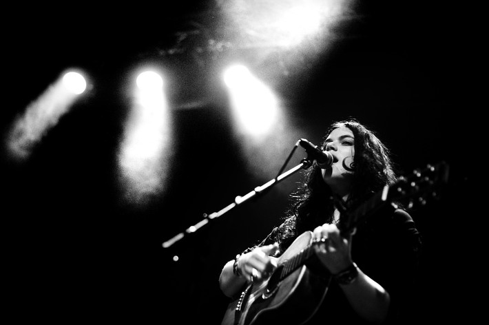 2012-04-06 - Soko performs at Debaser Medis, Stockholm