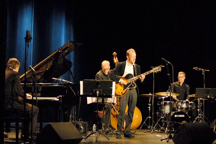 2012-05-07 - Artistry Jazz Group performs at Södra Teatern, Stockholm