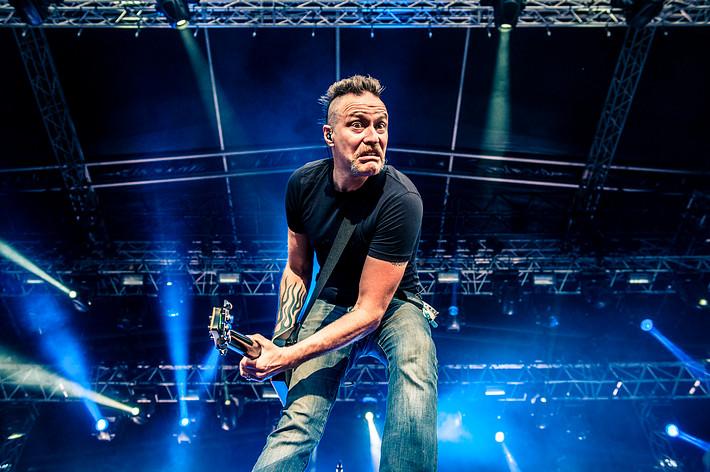 2014-08-09 - Mustasch spelar på Getaway Rock, Gävle