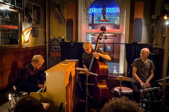 2014-11-27 - Joona Toivanen Trio performs at Glenn Miller Café, Stockholm