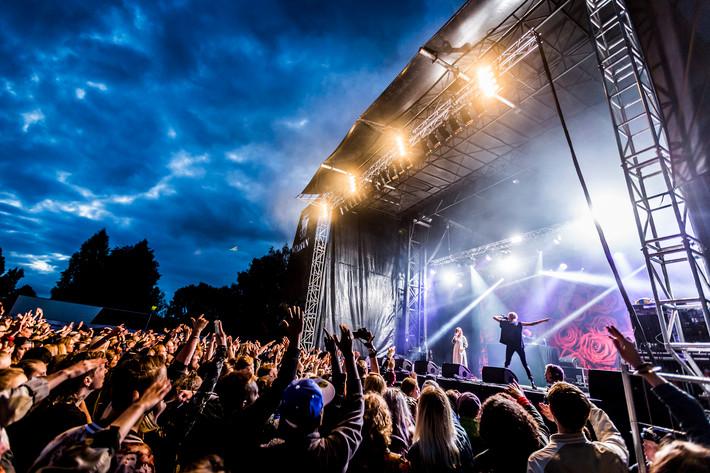 2015-07-18 - Silvana Imam spelar på Trästockfestivalen, Skellefteå
