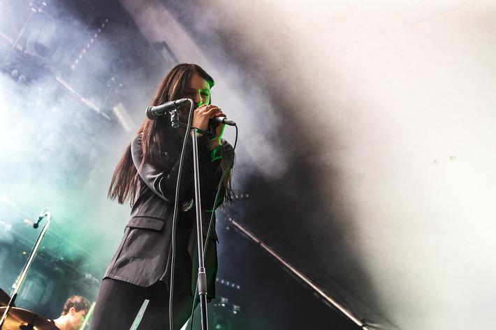 2016-08-15 - Nicole Sabouné spelar på Malmöfestivalen, Malmö