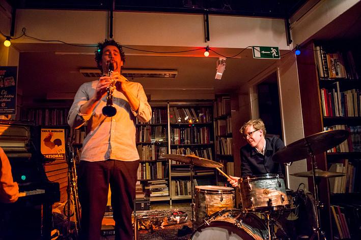 2017-03-14 - Konrad Agnas, Johan Graden och Per Texas Johansson spelar på Rönnells, Stockholm