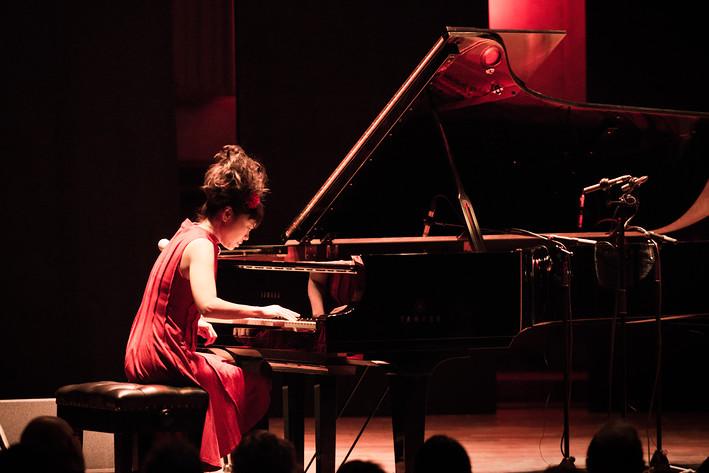 2017-10-08 - Hiromi Duet: Featuring Edmar Castañeda spelar på Berwaldhallen , Stockholm