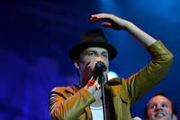 2005-07-09 - Håkan Hellström spelar på Gatufesten, Sundsvall