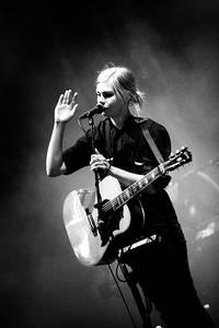 2007-06-28 - Anna Ternheim spelar på Peace & Love, Borlänge