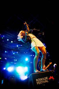 2007-07-06 - The Sounds spelar på Roskildefestivalen, Roskilde