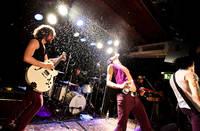 2009-05-17 - The (International) Noise Conspiracy spelar på Guitars, Umeå