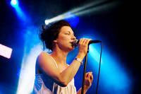 2010-07-02 - Anna Ihlis spelar på Peace & Love, Borlänge