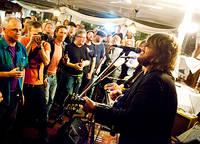 2011-09-26 - Israel Nash Gripka spelar på S/S Marieholm, Göteborg
