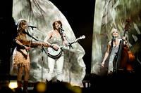 2012-02-04 - Abalone Dots spelar på Vida Arena, Växjö