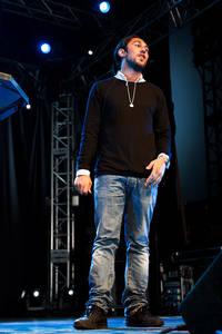 2012-06-26 - Leo Razzak spelar på Peace & Love, Borlänge
